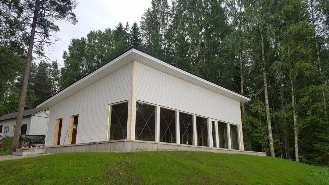 asuminen-piharakennus-ikkunat-valwood.fi